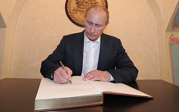Giới chức Nga được tặng sách 'những lời tiên tri của Putin' - ảnh 1