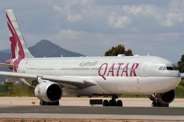 Máy bay hoàng gia Qatar bất ngờ hạ cánh khẩn cấp ở Thụy Sĩ - ảnh 1