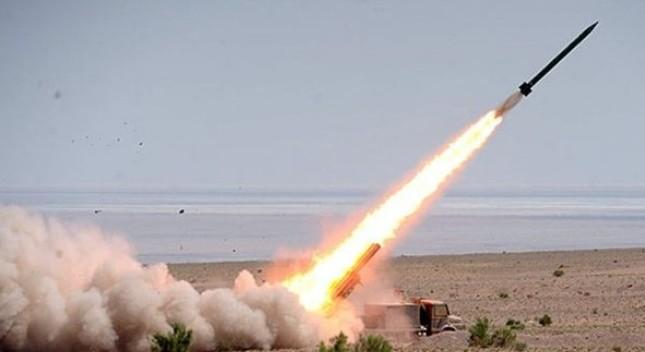 Iran bắt đầu trang bị tên lửa đạn đạo siêu khủng - ảnh 1