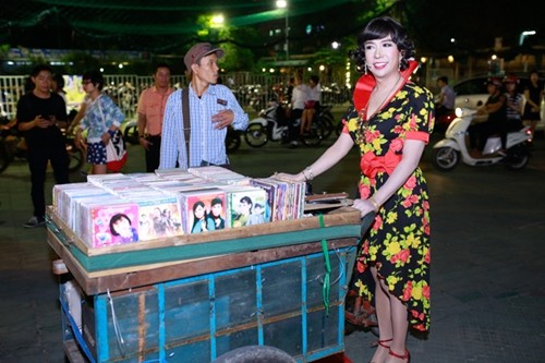 Long Nhật diện váy hoa đi sự kiện gây 'sốc' - ảnh 2