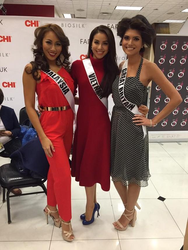Phạm Hương 'đọ sắc' với Hoa hậu Philippines, Myanmar tại Mỹ - ảnh 3