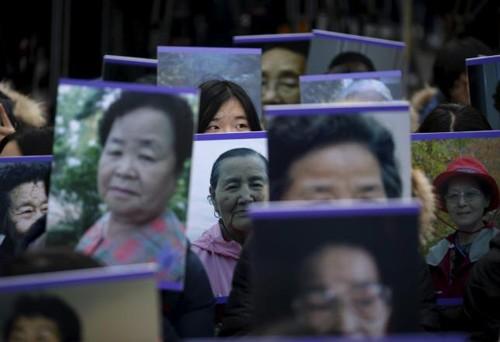 Biểu tình tại Seoul phản đối thỏa thuận 'nô lệ tình dục thời chiến' - ảnh 1
