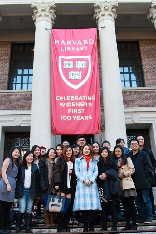 Mỹ Tâm đến Đại học Harvard thăm sinh viên Việt Nam - ảnh 2