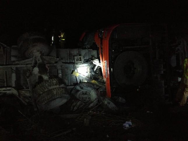 Hiện trường vụ tai nạn trên cao tốc Pháp Vân - Cầu Giẽ - ảnh 3