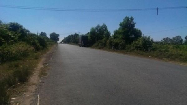 2 nữ sinh bị vứt giữa đường sau khi gặp bầy 'yêu râu xanh' - ảnh 1