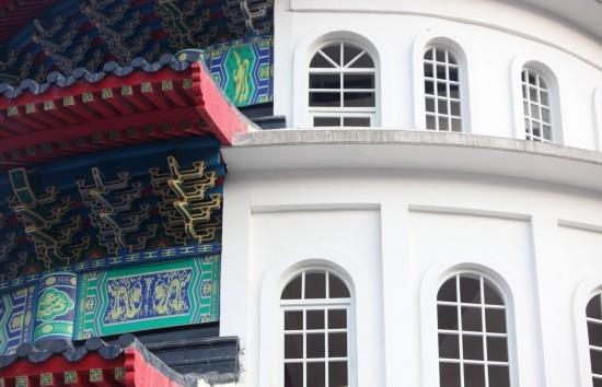 Tòa nhà nửa Washington nửa Bắc Kinh gây tranh cãi ở Trung Quốc - ảnh 2