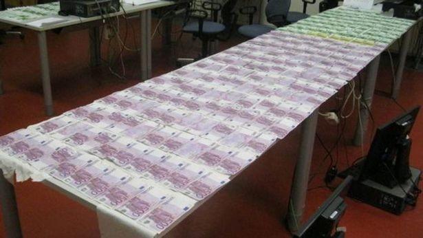 Người đàn ông may mắn vớt được 2,5 tỷ đồng dưới sông - ảnh 2