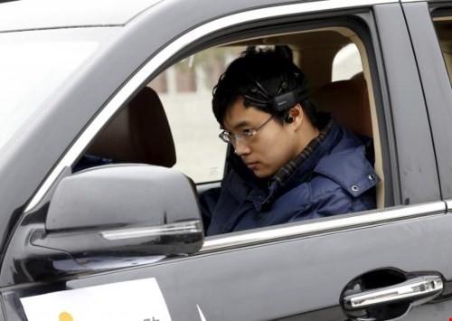 Trung Quốc thử nghiệm  xe hơi điều khiển bằng ý nghĩ - ảnh 1