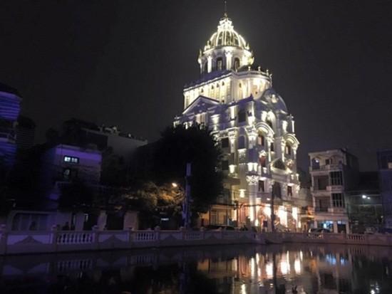 Biệt thự dát vàng 9999 kiểu hoàng gia ở Thái Nguyên gây choáng - ảnh 4
