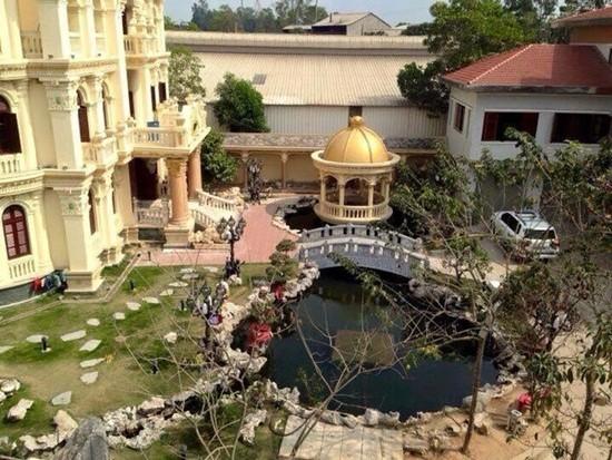 Biệt thự dát vàng 9999 kiểu hoàng gia ở Thái Nguyên gây choáng - ảnh 3