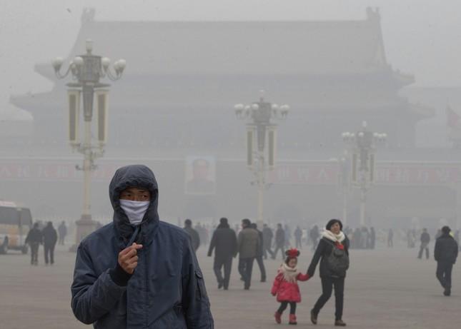 Bắc Kinh cảnh báo tình trạng sương mù do ô nhiễm - ảnh 1