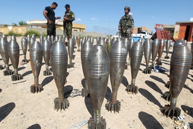 Dàn vũ khí khủng của IS khiến người xem cảm thấy lạnh gáy - ảnh 2