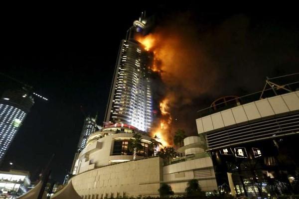 Cháy dữ dội ở khách sạn Dubai trước đêm  giao thừa - ảnh 2