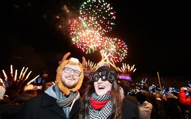 Pháo hoa rực rỡ khắp thế giới chào đón năm mới 2016 - ảnh 3