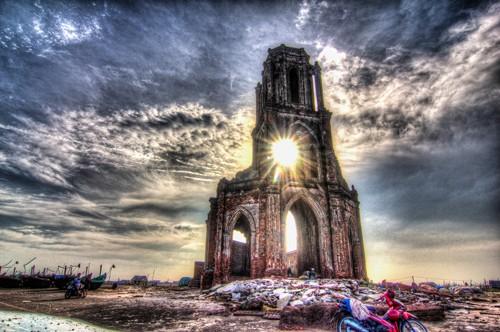 Vẻ đẹp có một không hai của Nhà thờ đổ 'Trái Tim' Nam Định - ảnh 2