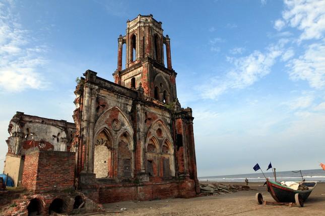 Vẻ đẹp có một không hai của Nhà thờ đổ 'Trái Tim' Nam Định - ảnh 6