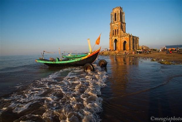 Vẻ đẹp có một không hai của Nhà thờ đổ 'Trái Tim' Nam Định - ảnh 4