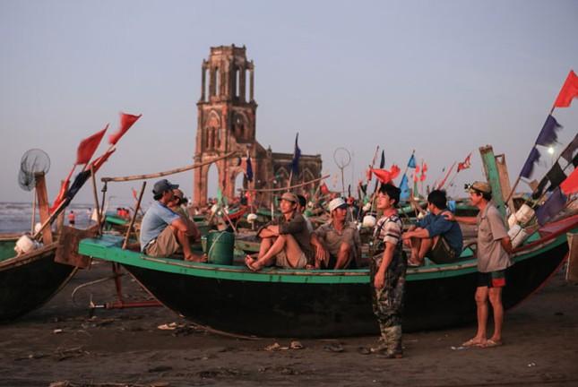 Vẻ đẹp có một không hai của Nhà thờ đổ 'Trái Tim' Nam Định - ảnh 3