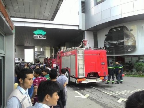 Cháy kinh hoàng ở tòa nhà Toyota Mỹ Đình - ảnh 2