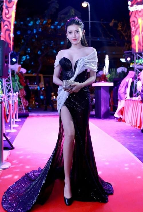 Elly Trần đọ dáng bên Huyền My sau thời gian sinh con - ảnh 3