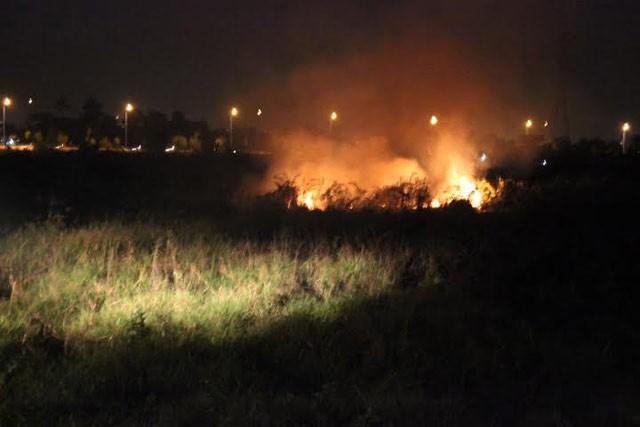 Đồng Nai: Cháy lớn tại chân cầu Bửu Hòa - ảnh 1