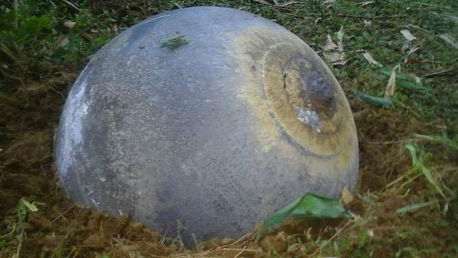 Lại xuất hiện vật thể lạ hình cầu rơi xuống Quảng Nam gây xôn xao - ảnh 5