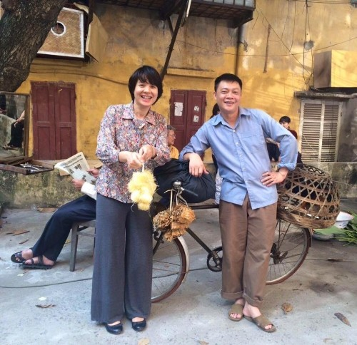 Elly Trần tái xuất gợi cảm, Ngọc Trinh khoe lưng trần nuột nà - ảnh 6