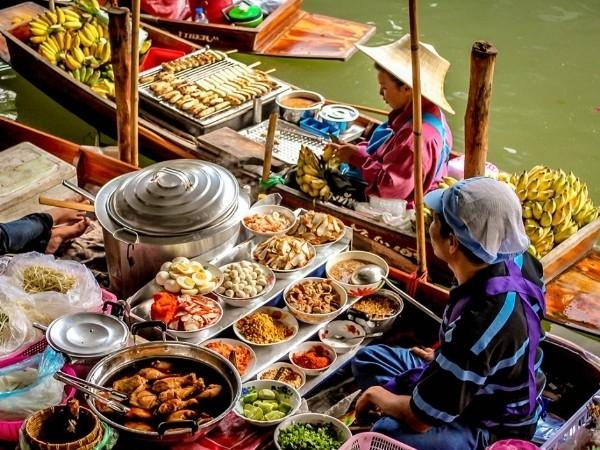 Vũ điệu đa sắc của những phiên chợ nổi trên thế giới - ảnh 11