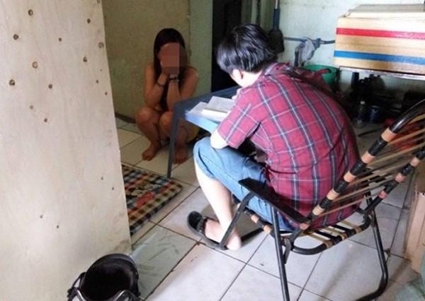 U40 massage kích dục cho... học sinh, sinh viên - ảnh 1