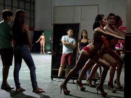 Sự khốc liệt trong lò luyện Hoa hậu ở Philippines - ảnh 2