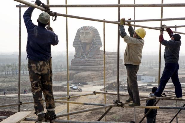 Những công trình nổi tiếng thế giới bị Trung Quốc làm nhái - ảnh 2