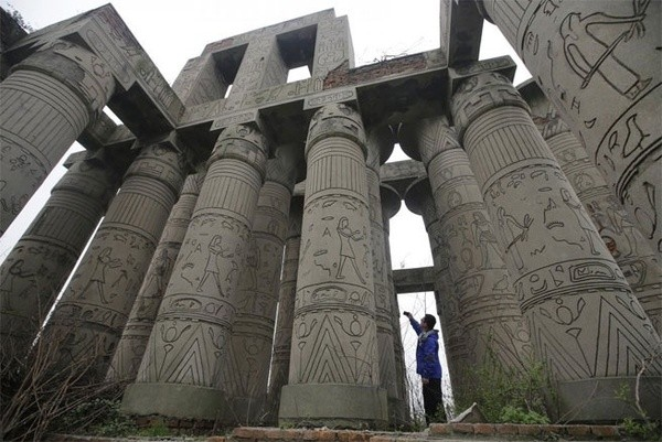Những công trình nổi tiếng thế giới bị Trung Quốc làm nhái - ảnh 16