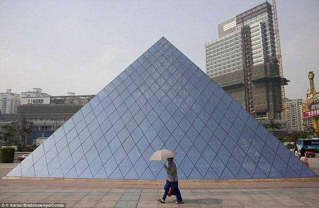 Những công trình nổi tiếng thế giới bị Trung Quốc làm nhái - ảnh 17