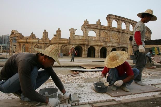 Những công trình nổi tiếng thế giới bị Trung Quốc làm nhái - ảnh 10