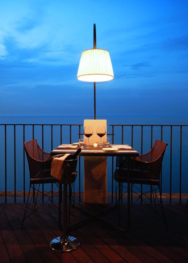 Thưởng thức bữa tối với nhà hàng xây trong hang đá - ảnh 3