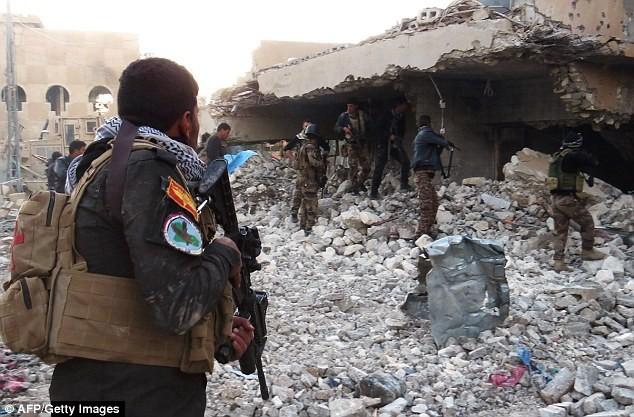 IS cuồng bạo khi mất thị trấn Ramadi - ảnh 2
