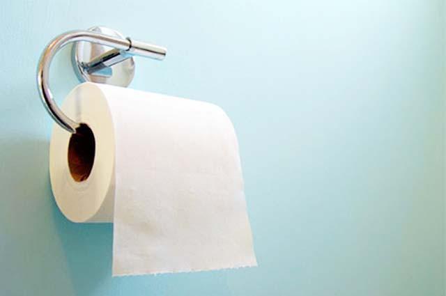 Tác hại khủng khiếp từ thói quen dùng giấy vệ sinh không đúng cách - ảnh 2