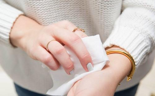 Tác hại khủng khiếp từ thói quen dùng giấy vệ sinh không đúng cách - ảnh 1