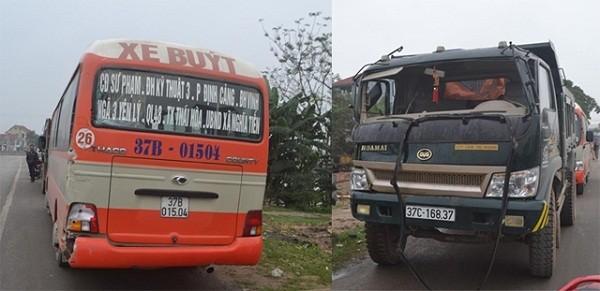 Xe tải đâm xe buýt, hơn 30 hành khách hoảng loạn - ảnh 1