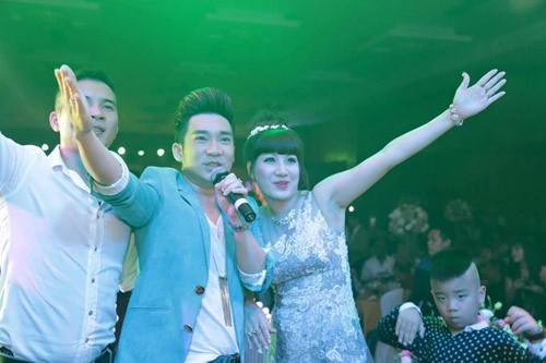 Đại gia Thái Bình chi tiền tỷ mời 50 ca sĩ trong tiệc sinh nhật vợ - ảnh 3