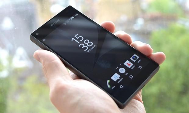 Nhiều mẫu điện thoại hot giảm giá trước Tết - ảnh 1
