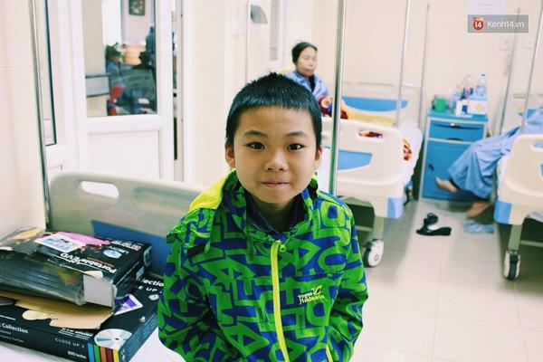 Cậu bé ung thư được lên sân khấu hát cùng Sơn Tùng - ảnh 2