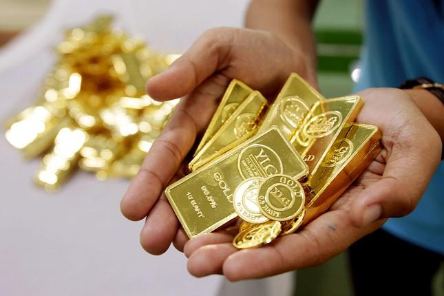 Giá vàng bất ngờ giảm xuống mức thấp nhất - ảnh 2