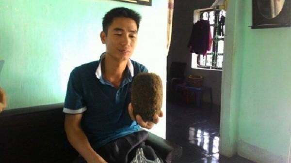 Mổ lợn thấy 'quả trứng vàng' nặng 0,9kg, nghi hàng chục tỷ - ảnh 1