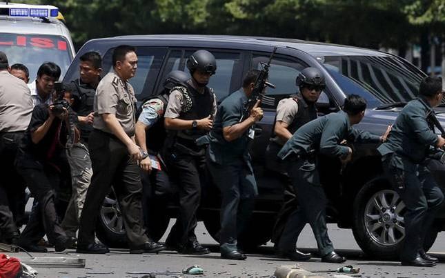 IS chỉ là kẻ 'dây máu ăn phần' trong vụ đánh bom ở Jakarta  - ảnh 1