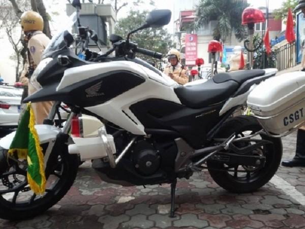Ngắm dàn xe môtô 750 của CSGT Hà Nội phục vụ đại hội Đảng - ảnh 3