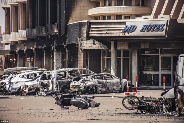 Al-Qaeda, IS đua nhau tiến hành khủng bố - ảnh 1