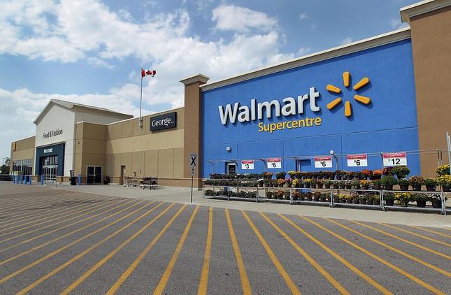 Walmart khai tử hàng loạt cửa hàng vì… Amazon - ảnh 1