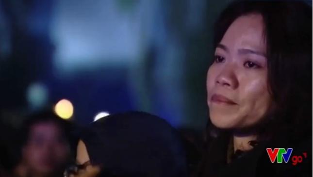 Vợ Trần Lập rơi nước mắt cổ vũ chồng trên sân khấu - ảnh 10