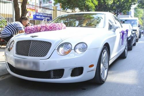 Chồng đại gia của Trang Nhung lái siêu xe trong lễ ăn hỏi - ảnh 1
